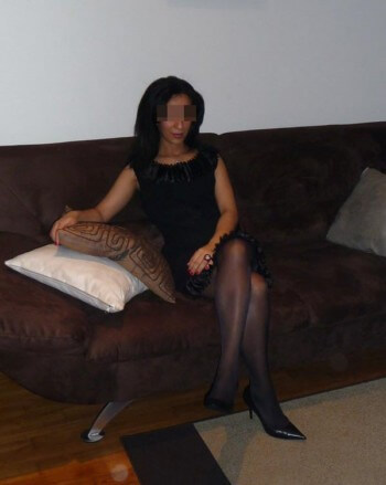 Jolie femme arabe veut rencontrer un homme black sur Brest pour une bonne fellation