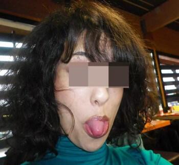 Femme arabe chaude avec des beaux nichons à Douai