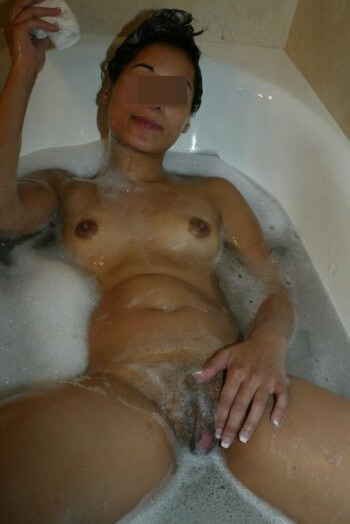 Belle femme voulant d'énormes queues à pomper à Bobigny