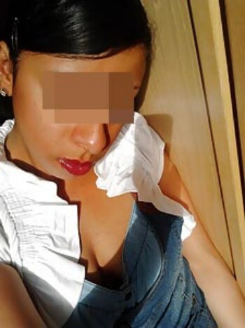 Femme très gourmande sur Antibes pour une fellation en gorge profonde
